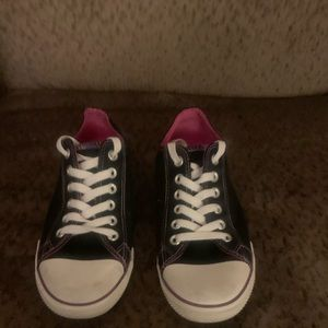 Blk/Purple Converse Chuck Taylor's Low Top Sneaks